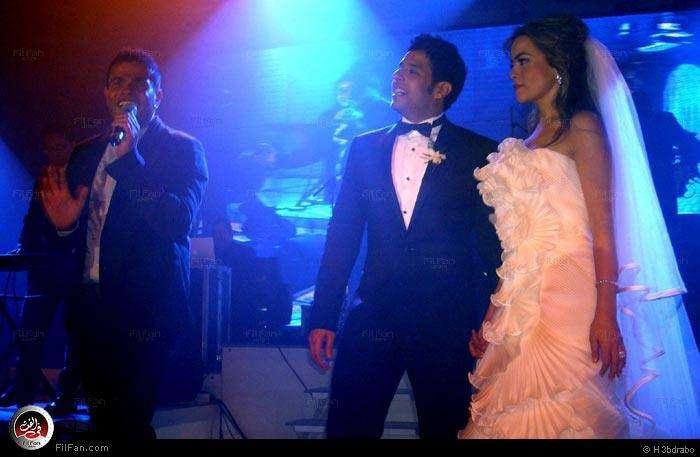 صور النجم عمرو دياب فى حفل زفاف الفنان محمد حماقى ونهلة الحجرى 2011 / 12 / 7 38431010150602375429782.jpg